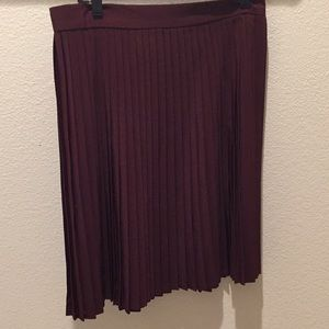 Pleated skirt.